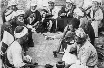 Die Kaffee Geschichte kurz gefasst – Von der Entdeckung bis zum heutigen Kultgetränk